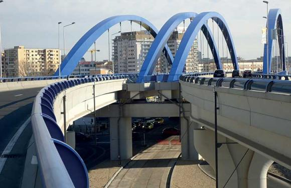 06. Archbridge over the Dambovita river, Bucharest (Romania