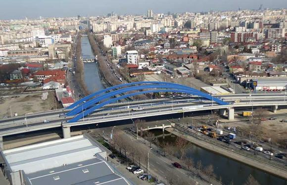 07. Archbridge over the Dambovita river, Bucharest (Romania